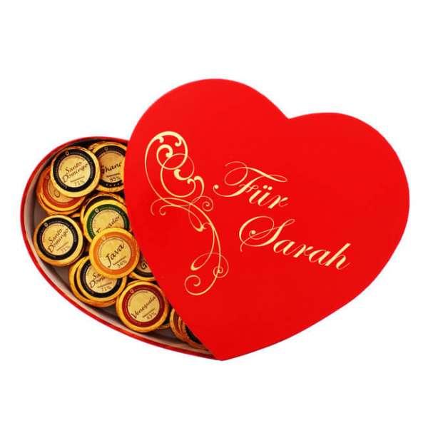 Personalisierbare Geschenkbox Herzform mit Premium Schokolade