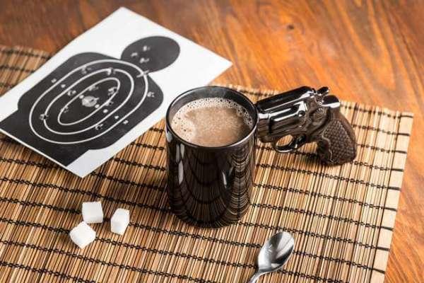 Tasse Revolver mit Zielscheibe
