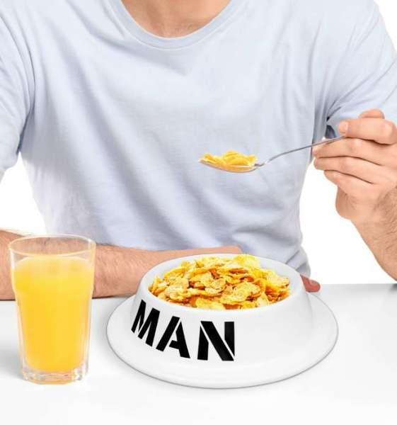 Fressnapf für Männer gefüllt mit Cornflakes