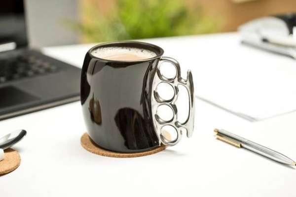 Schlagring Tasse in schwarz und Silberring