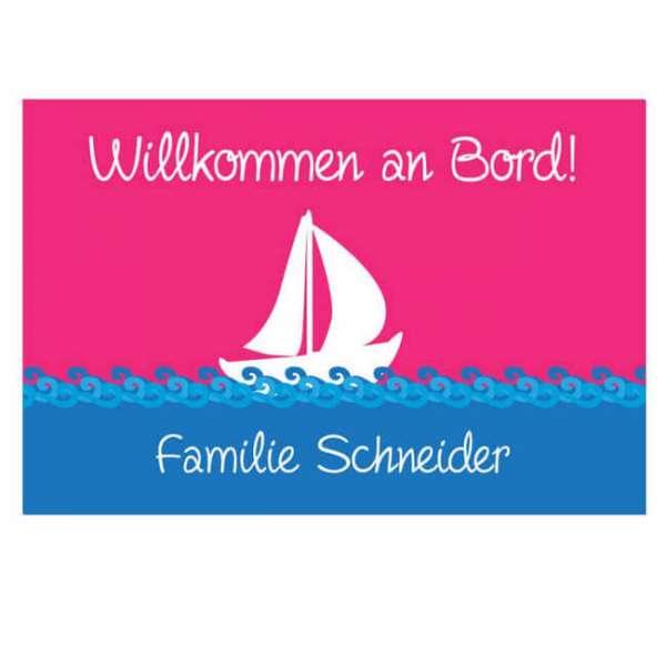 Personalisierbare Fussmatte Boot mit Familiennamen in pink blau